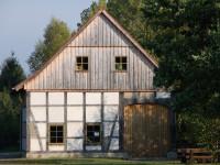 Am Dorfhaus wird gearbeitet